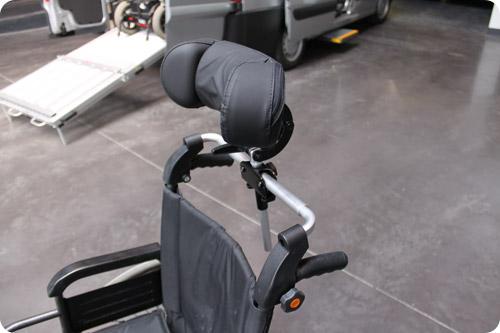 L'appui-tête amovible pour fauteuil roulant