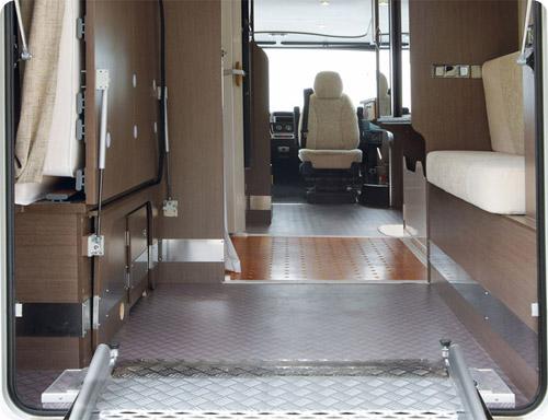 Le camping-car aménagé handicap à louer chez Handynamic