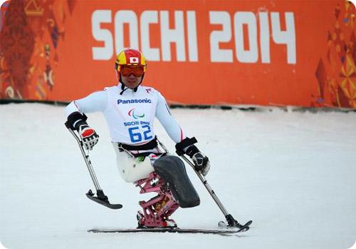 Un athlète handi-ski