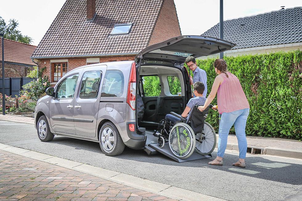 Voici le Renault Kangoo Xtra AirSystem pour un accès en fauteuil roulant simplifié !