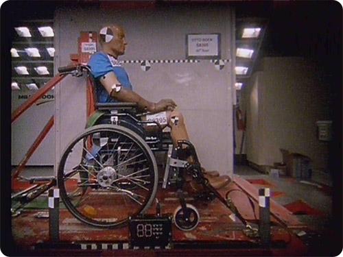 Les fauteuils roulants doivent être crash-testés