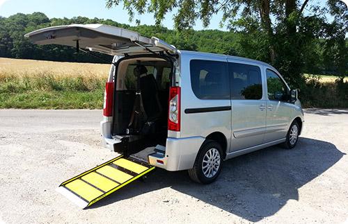 Un Peugeot Expert Family neuf disponible pour la rentrée !