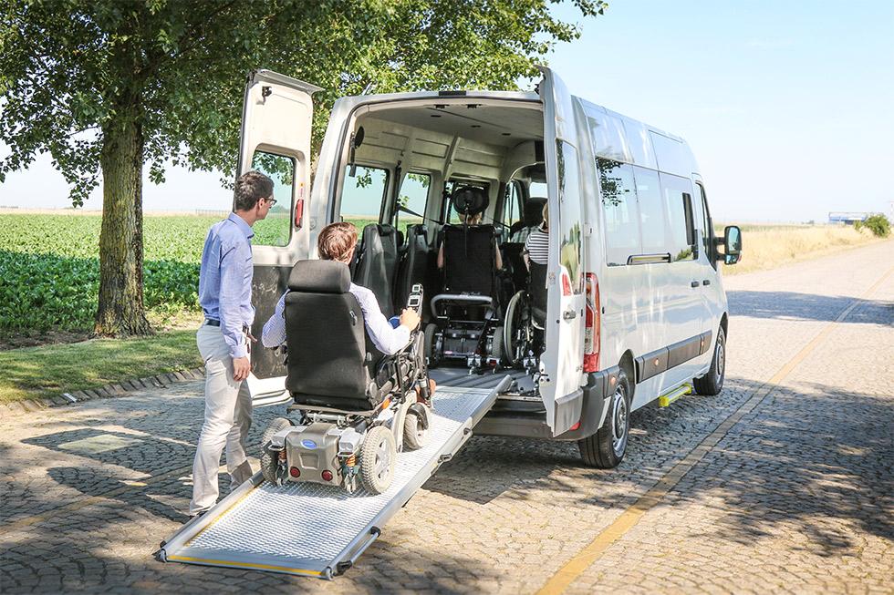A L'heure De La Rentrée, Le Transport Des élèves Handicapés Se Passe Plus Ou Moins Bien …