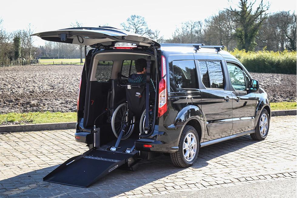Essayez le Ford Grand Tourneo Connect aménagé, à domicile!