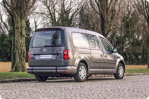 Le Volkswagen Caddy Maxi vu de l'arrière