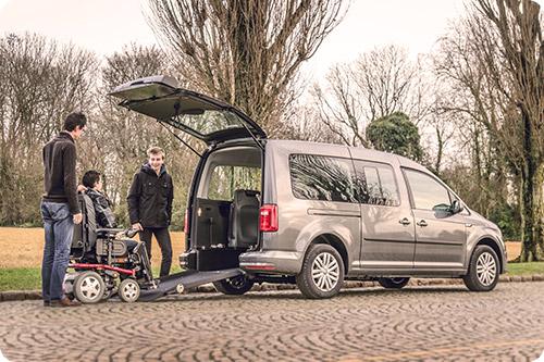 Le Caddy Maxi aménagé handicap permet de voyager en famille