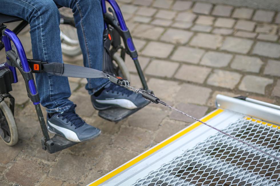 Un Treuil D'aide à L'accès Amovible Qui Facilite Le Quotidien Des Pros !