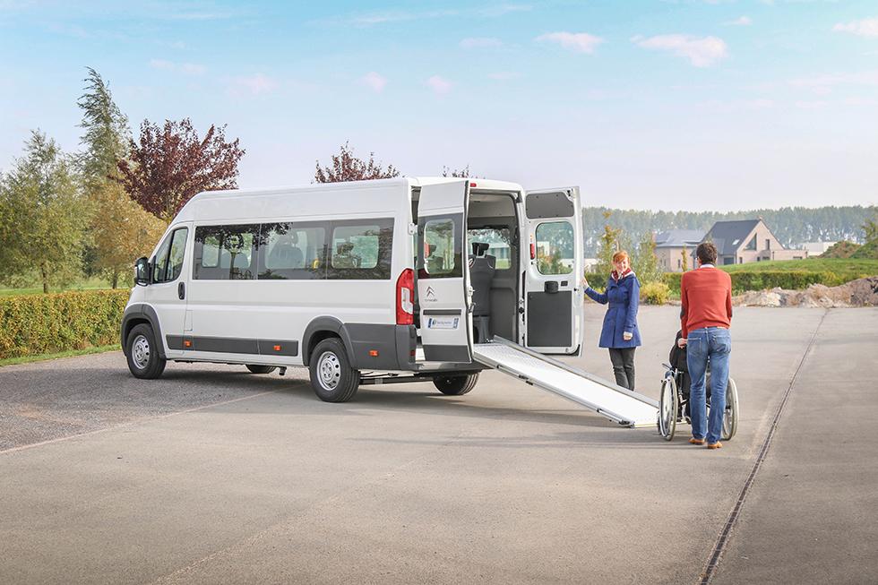 Le Citroën Jumper Triflex Easy permet de transporter jusqu'à 5 passagers en fauteuil roulant