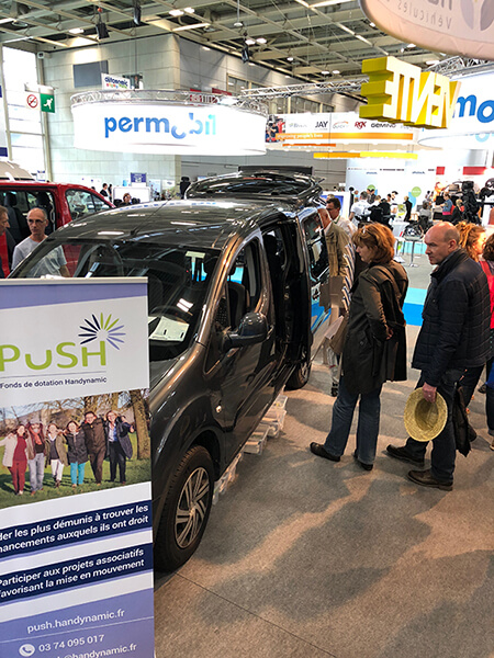 Affluence sur le stand Handynamic au salon Autonomic Paris 2018