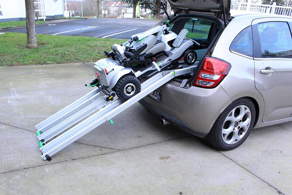 Découvrez le scooter Quingo Flyte qui monte tout seul dans le coffre de votre voiture