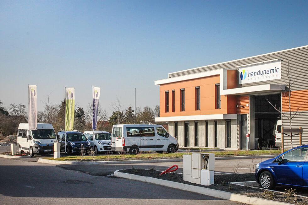 Située en périphérie de Lyon, l'agence Handynamic basée à Meyzieu est facilement accessible en voiture ou en transport en commun
