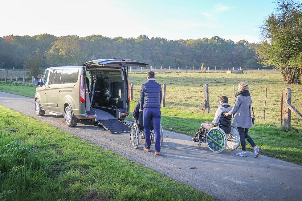 Le Ford Tourneo Custom Twin offre un aménagement handicap très innovant