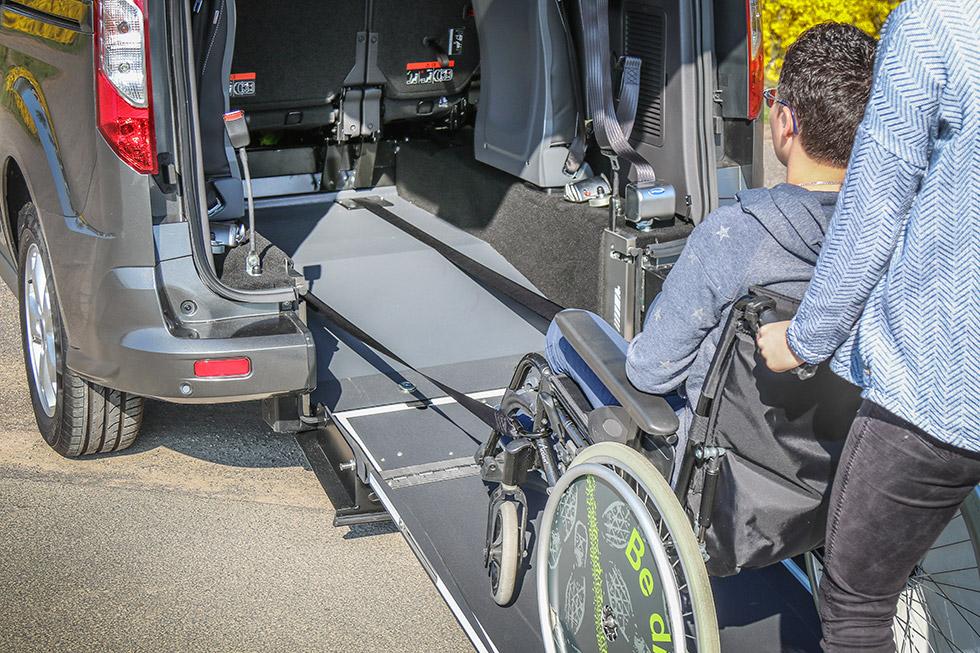 L'arrimage du passager en fauteuil roulant est une étape primordiale pour garantir sa sécurité
