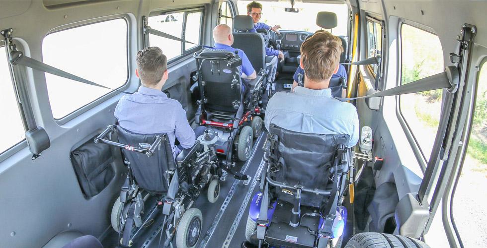 A bord des véhicules accessibles, l'arrimage est une étape obligatoire !