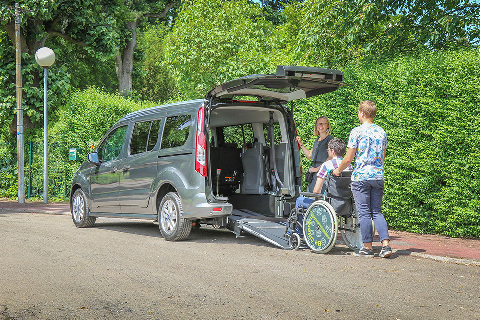 ford_grand_tourneo_connect_triflex_happyaccess_11