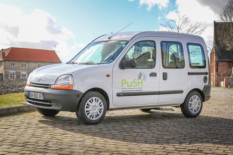 renault_kangoo_accessible_abaissement_push_hd_01