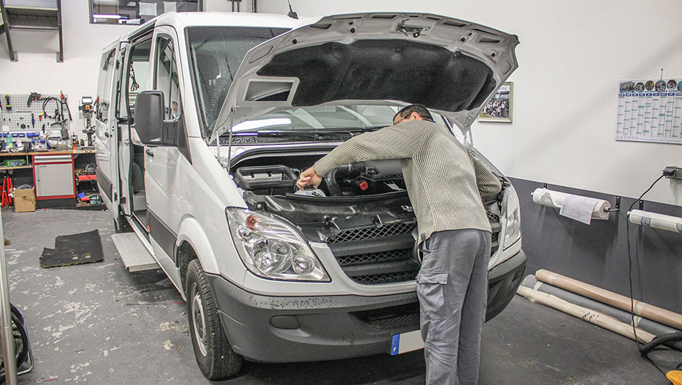 Nos techniciens SAV sont spécialisés en aménagement handicap