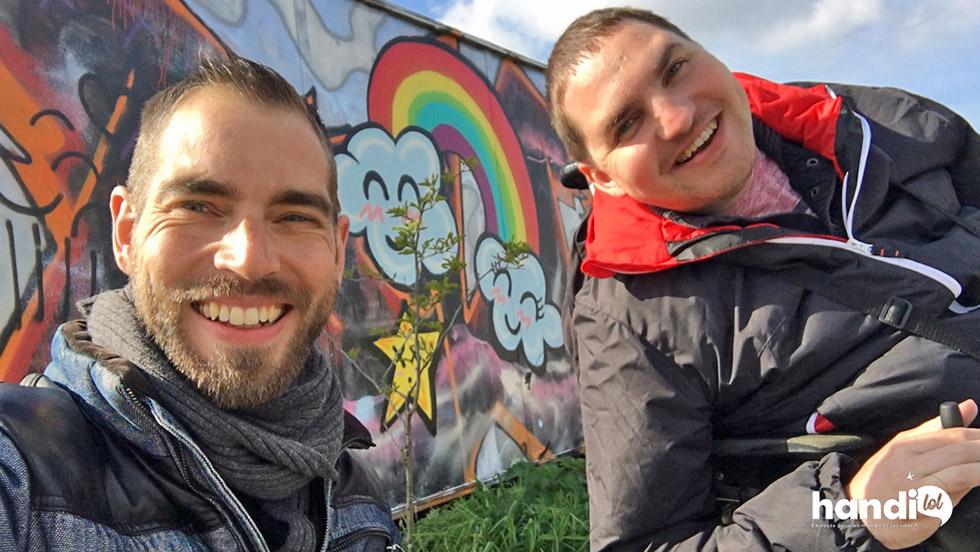 Rudy et Julien partagent leurs expériences de voyages accessibles sur Handilol