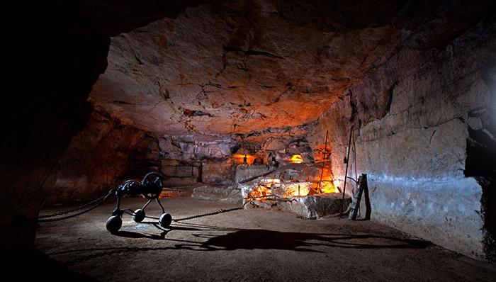 La-Maison-de-la-Pierre-et-carrière-souterraine-Parrain