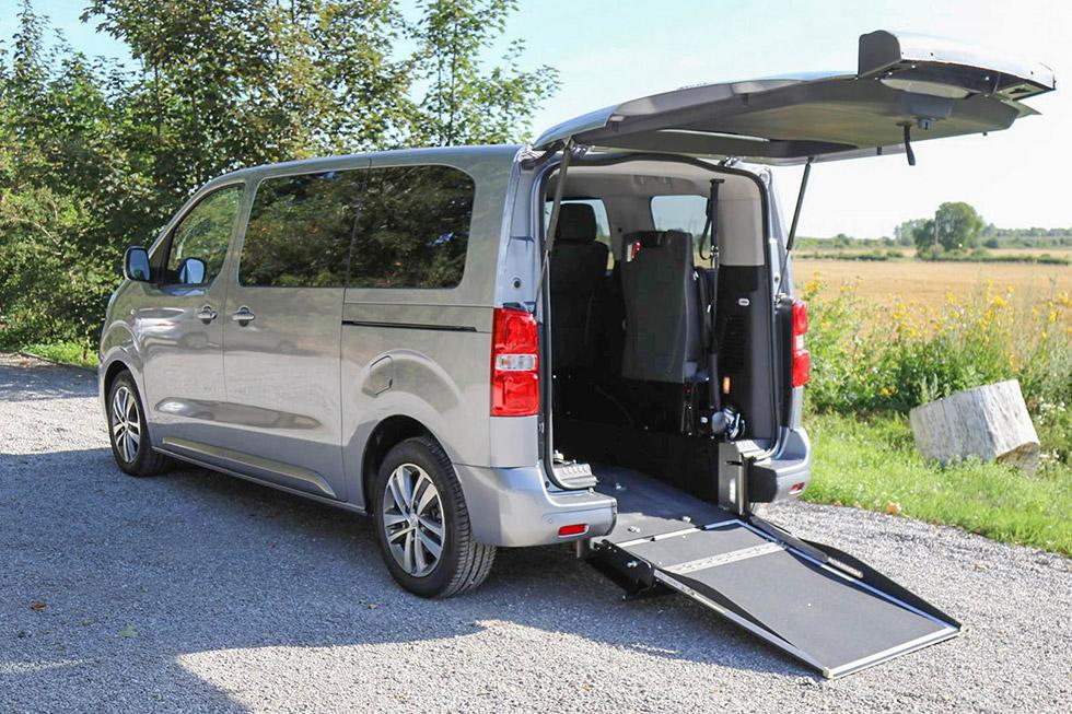 Peugeot Traveller Family accessible neuf en vente
