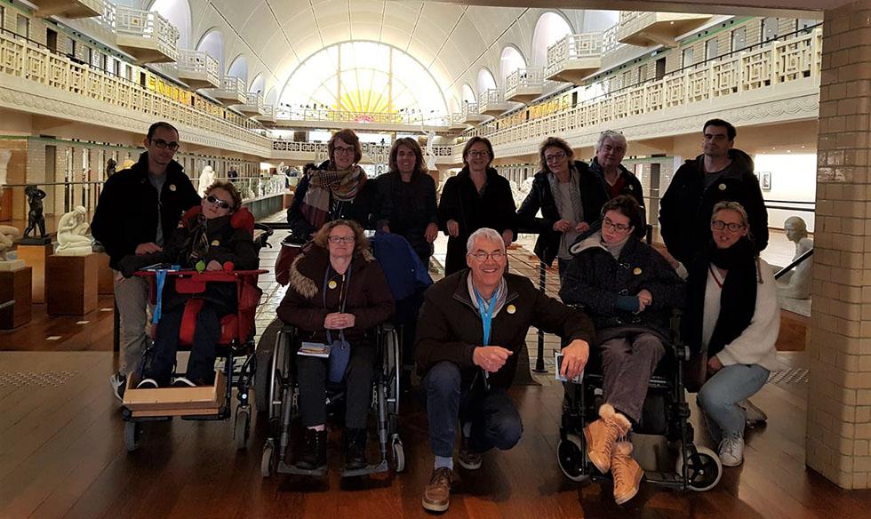 Les Compagnons de Lille partagent des moments conviviaux entre personnes valides et handicapées